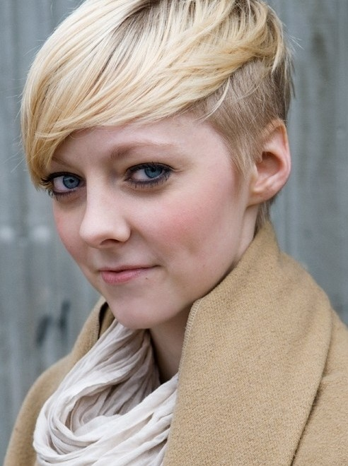 undercut hairstyle female short