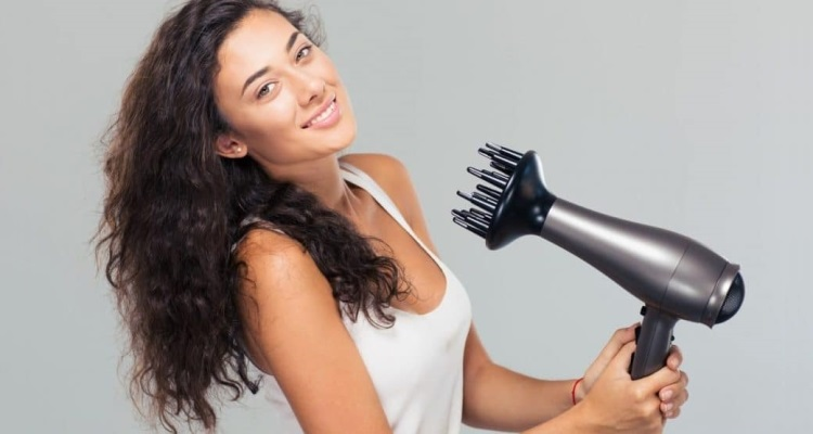 10 Best Hair Dryer for Curly Hair 2021 – Do Not Buy Before Reading This!