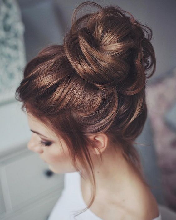 messy bun hairstyles for women
